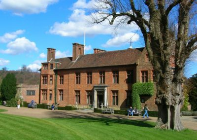 chartwell_house_-_front_elevation_-_geograph-org_-uk_-_149040-9631b7b67d6413138ce71e2ee4160dca