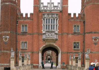 hampton_court_great_gatehouse-11dd2fad37661cf06592e3ee65df7902