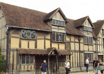 shakespeares_birthplace_henley_street_stratford-upon-avon_-_dsc08940-3480407f6d6a9ea017dd7c45b08812de